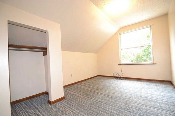 296 Huntington Ave Akron rental with closet and window